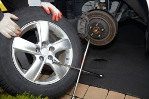 Roadside Assistance Encino - Tire Change